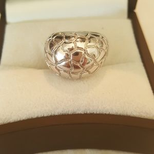 Elle Jewelry - size 6 Sterling Carved Dome Ring By Elle
